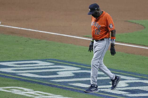 Houston Astros manager Dusty Baker, Jr., walks off the field after making a pitching change during the seventh inning of Game 6 of the American League Championship Series at Petco Park Friday, Oct. 16, 2020, in San Diego. Photo: Karen Warren/Staff Photographer / © 2020 Houston Chronicle