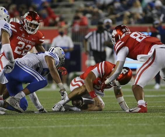 Houston Cougars quarterback Clayton Tune (3) fumbles but recovers the ball during the third quarter against the Brigham Young Cougars Friday, Oct. 16, 2020, at TDECU Stadium in Houston. Photo: Yi-Chin Lee/Staff Photographer / © 2020 Houston Chronicle