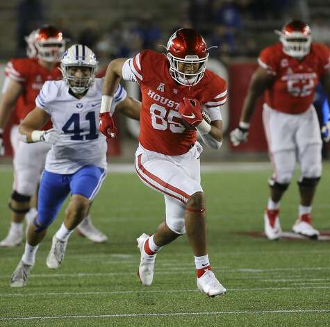 Houston Cougars tight end Christian Trahan (85) carries the ball during the first quarter against the Brigham Young Cougars Friday, Oct. 16, 2020, at TDECU Stadium in Houston. Photo: Yi-Chin Lee/Staff Photographer / © 2020 Houston Chronicle