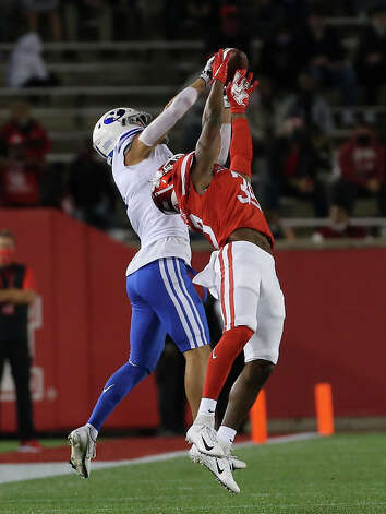 Brigham Young Cougars wide receiver Dax Milne (5) catches a pass and heads to make a 78-yeard touchdown during the first quarter against the Houston Cougars Friday, Oct. 16, 2020, at TDECU Stadium in Houston. Photo: Yi-Chin Lee/Staff Photographer / © 2020 Houston Chronicle