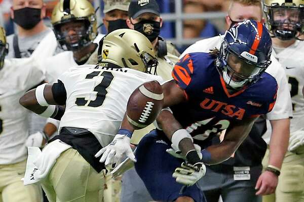 Army Julian McDuffie knocks pass away from UTSA receiver Joshua CephusArmy v UTSA at the Alamodome on Saturday, October 17, 2020. First half score is UTSA 10 Army 14
