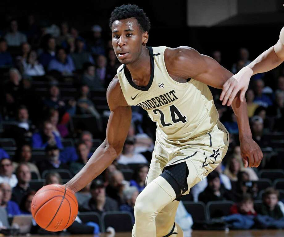 NASHVILLE, TN - JANUARY 29: Aaron Nesmith #24 of the Vanderbilt Commodores handles the ball against the Kentucky Wildcats during the game at Memorial Gym on January 29, 2019 in Nashville, Tennessee. Kentucky won 87-52. (Photo by Joe Robbins/Getty Images) Photo: Joe Robbins / Getty Images / 2019 Joe Robbins