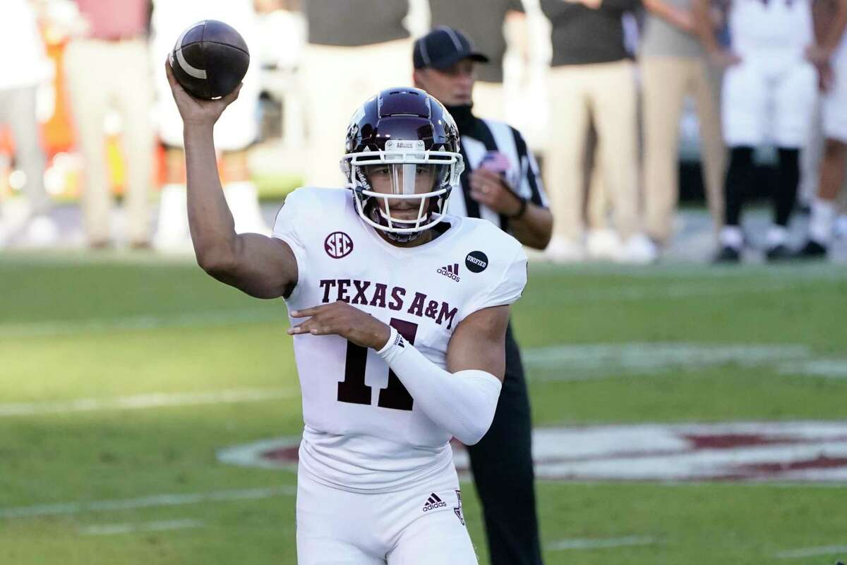 Texas A&M quarterback Kellen Mond, throwing a TD against Mississippi State, has found less criticism of his social activism as the Aggies keep winning.