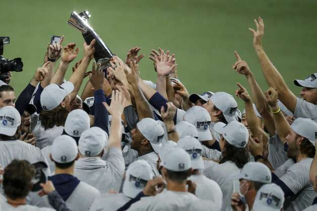The Tampa Bay Rays celebrate their 4-2 win in Game 7 of the American League Championship Series at Petco Park Saturday, Oct. 17, 2020, in San Diego. Photo: Karen Warren/Staff Photographer / © 2020 Houston Chronicle
