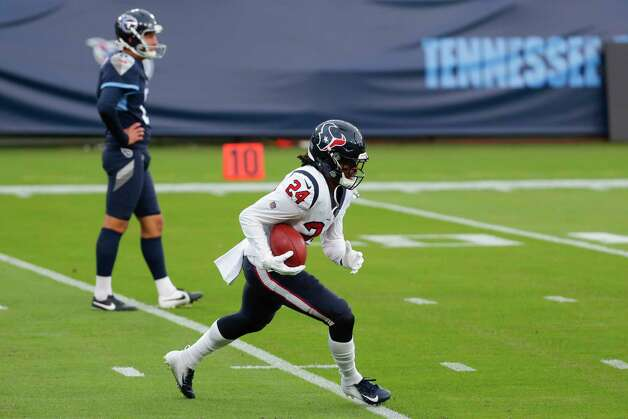 Houston Texans running back C.J. Prosise (24) warms up before an NFL football game against the Tennessee Titans at Nissan Stadium on Sunday, Oct. 18, 2020, in Nashville. Photo: Brett Coomer, Staff Photographer / © 2020 Houston Chronicle