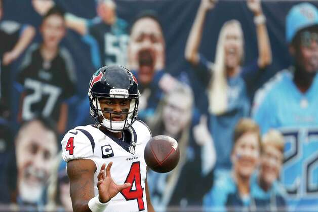 Houston Texans quarterback Deshaun Watson warms up before an NFL football game against the Tennessee Titans at Nissan Stadium on Sunday, Oct. 18, 2020, in Nashville. Photo: Brett Coomer, Staff Photographer / © 2020 Houston Chronicle