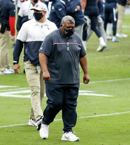 Houston Texans interim head coach Romeo Crennel walks off the field after losing to the Tennessee Titans during overtime of an NFL football game at Nissan Stadium on Sunday, Oct. 18, 2020, in Nashville. Photo: Brett Coomer, Staff Photographer / © 2020 Houston Chronicle