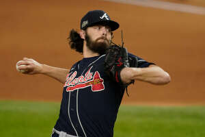 Atlanta Braves starting pitcher Ian Anderson throws against the Los Angeles Dodgers during the first inning in Game 7 of a baseball National League Championship Series Sunday, Oct. 18, 2020, in Arlington, Texas. (AP Photo/Tony Gutierrez)