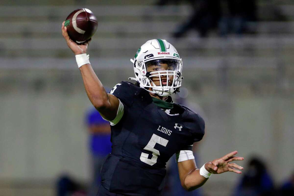 Spring quarterback Bishop Davenport (5) passes during the second half of a high school football game against the Dekaney Wildcats Friday, Oct. 9, 2020 at Planet Ford Stadium in Spring, TX.