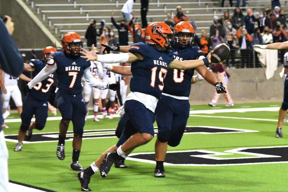 Bridgeland clinched a share of the District 16-6A championship with a 59-3 victory over winless Cy Lakes, Nov. 13, at Cy-Fair FCU Stadium.