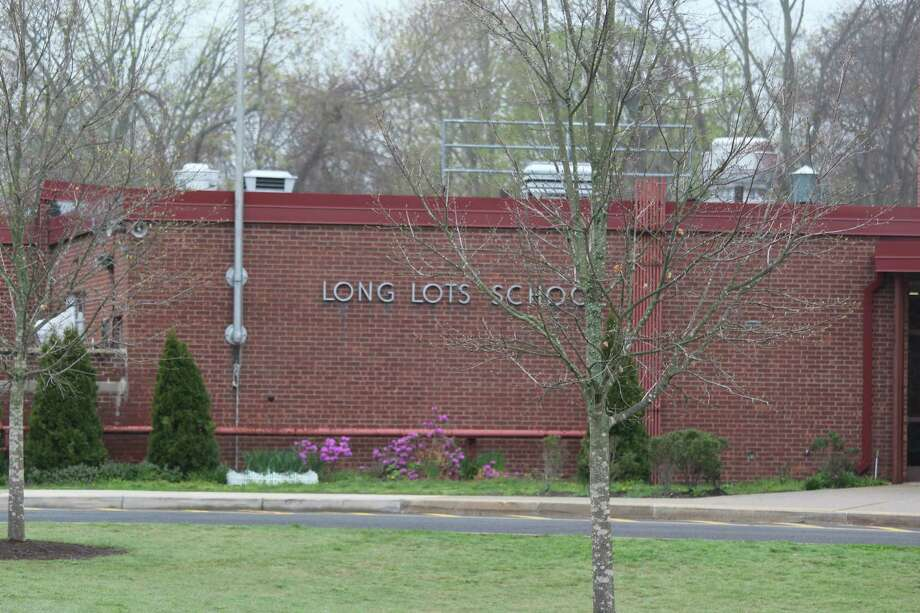 Long Lots Elementary School. Photo: Chris Marquette / Hearst Connecticut Media / Westport News