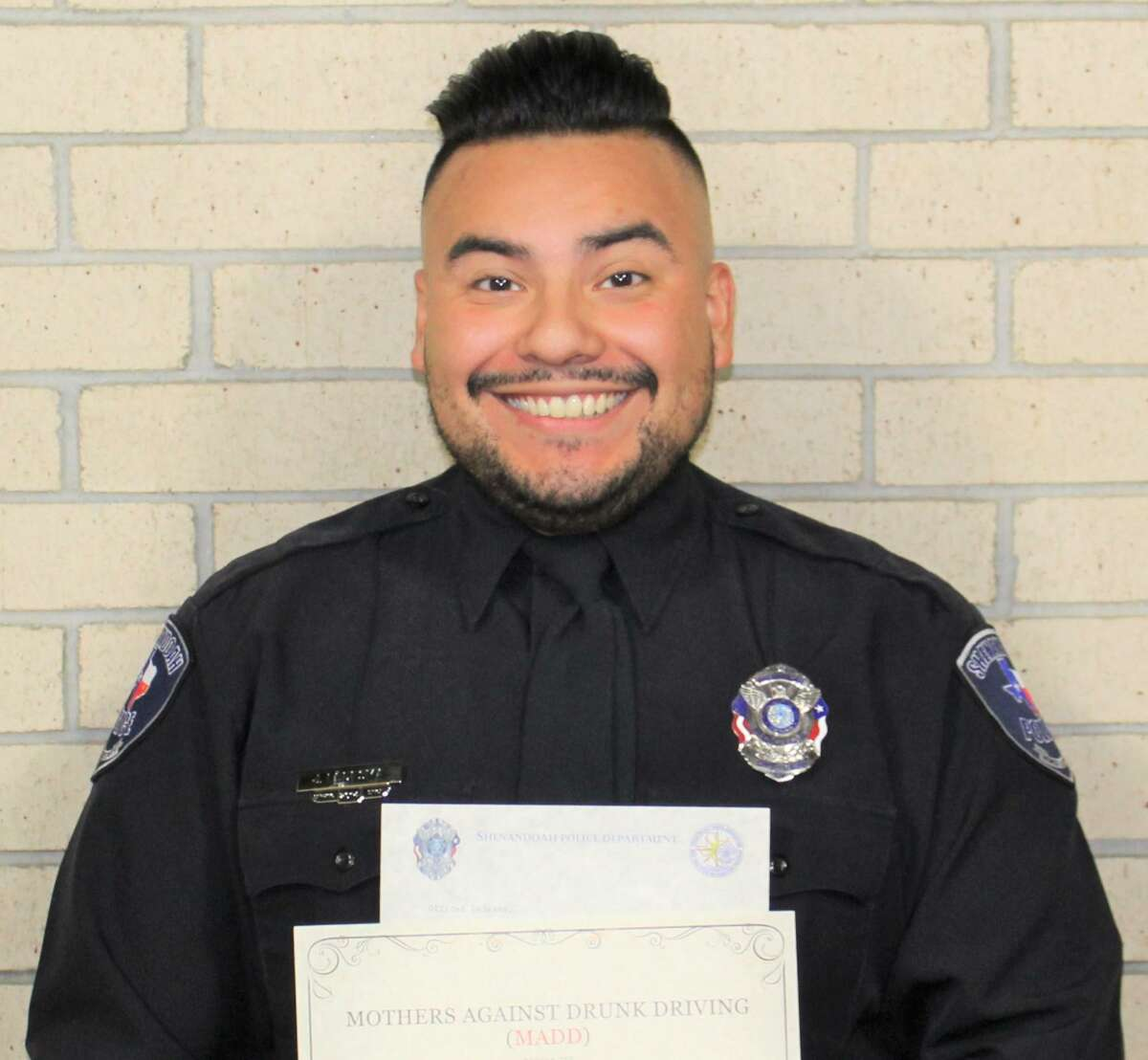 Shenandoah Police Department Officer Jeremiah Ledesma received on Oct. 14 an award from Mothers Against Drunk Driving.