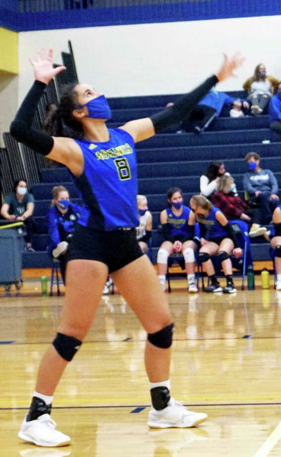 Morley Stanwood junior Braelyn Berry serves the ball during the Mohawks' three-set win over White Cloud on Oct. 14. Photo: Pioneer Photo/Joe Judd