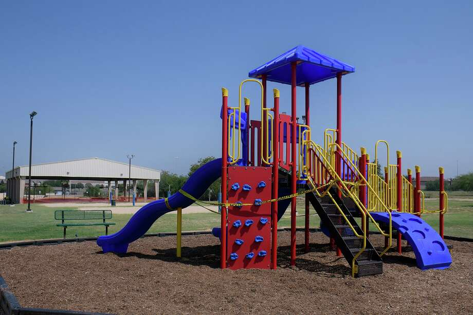 A vote passed Monday by Laredo City Council will allow for the reopening of some areas of city parks such as playgrounds, courts and fields that have been closed throughout the pandemic. Photo: Cuate Santos / Laredo Morning Times File / Laredo Morning Times