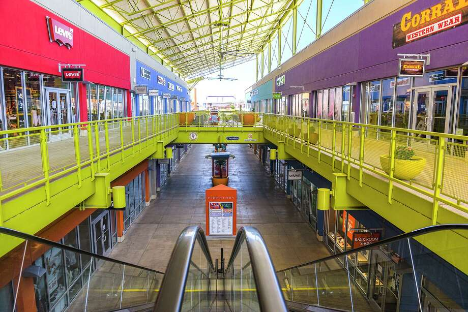 A view of The Outlet Shoppes at Laredo on, May 1, 2020, as it reopened to the public while most stores remained closed for shoppers. Photo: Danny Zaragoza /Laredo Morning Times File