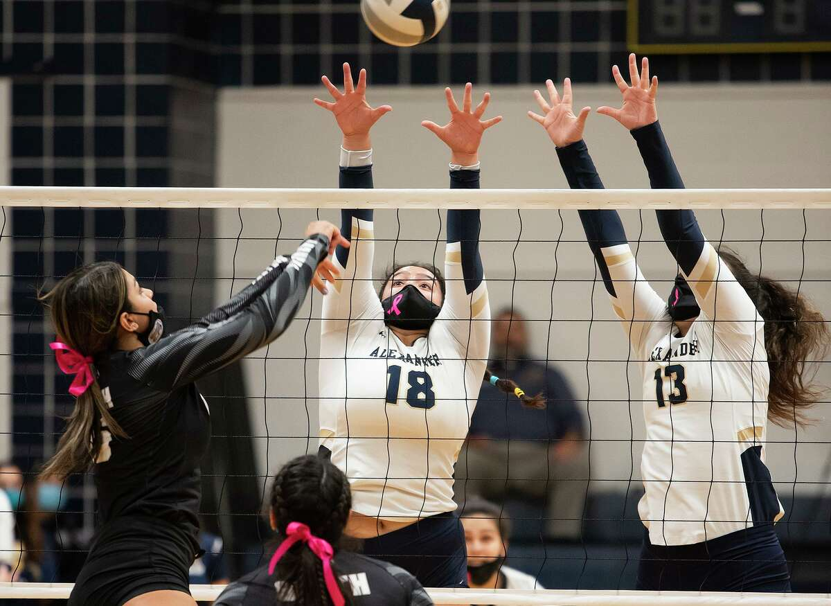 Rebekah Bustamante, Victoria Guerrero and the Lady Bulldogs play the Lady Longhorns on Tuesday.