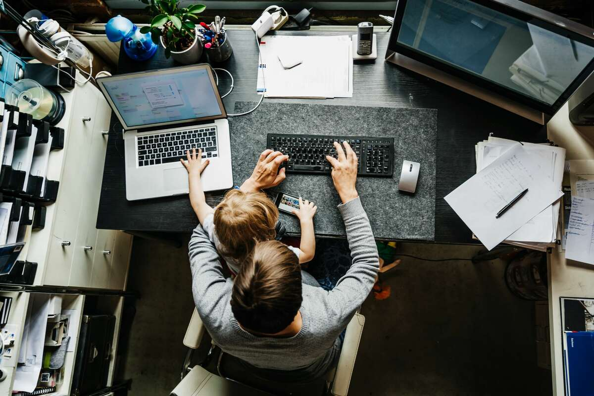 Survey: Tech workers report feeling more burned out telecommuting