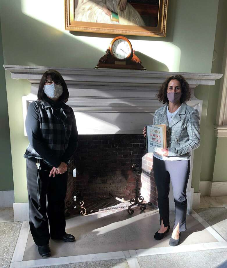 Library Director Brenda McKinley and RHS Reading Teacher Judy Silver, winner of the 2020 Battle of the Books. Photo: The Ridgefield Library