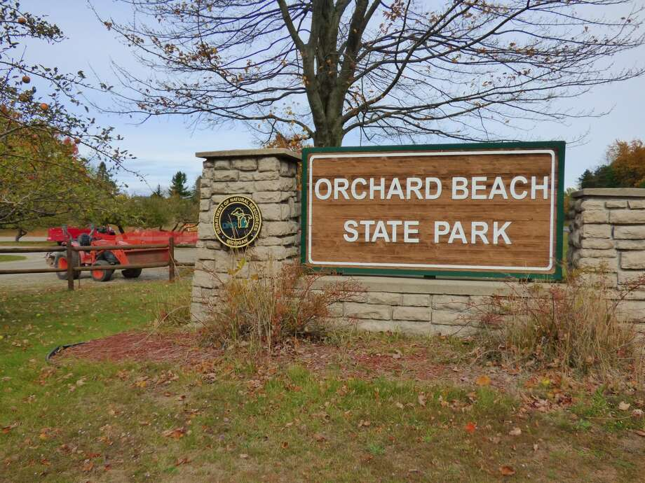Orchard Beach State Park is closed early for the season as work crews prepare to move the 80-year old shelter house away from an encroaching bluff. Photo: Scott Fraley/News Advocate