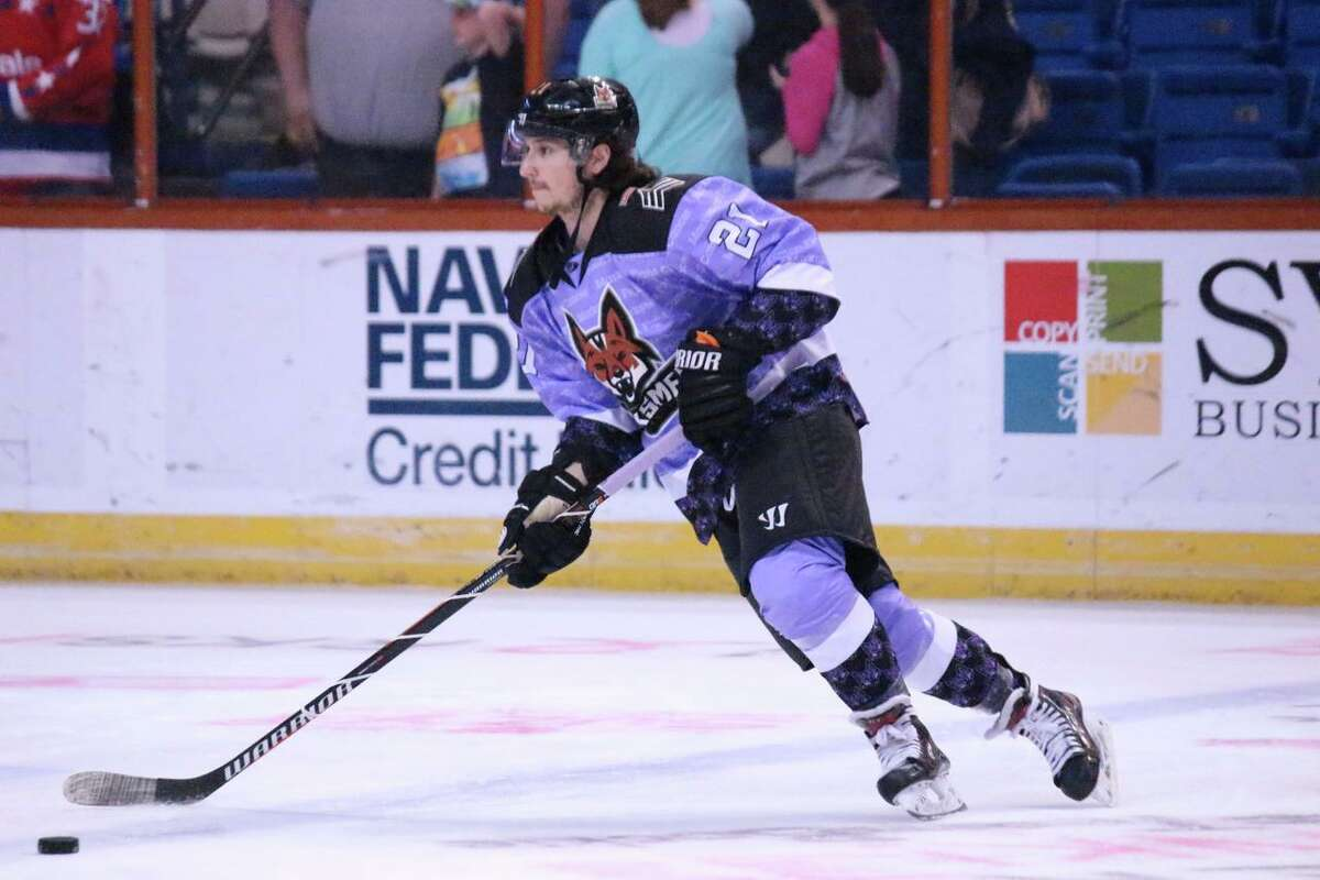 Zach White has gone from being a star at Curry College to the professional hockey ranks.