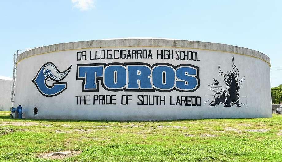 La fotografía muestra el tanque de agua en Cigarroa High School, el martes 4 de agosto de 2020. Photo: Danny Zaragoza, Staff Photographer / Laredo Morning Times