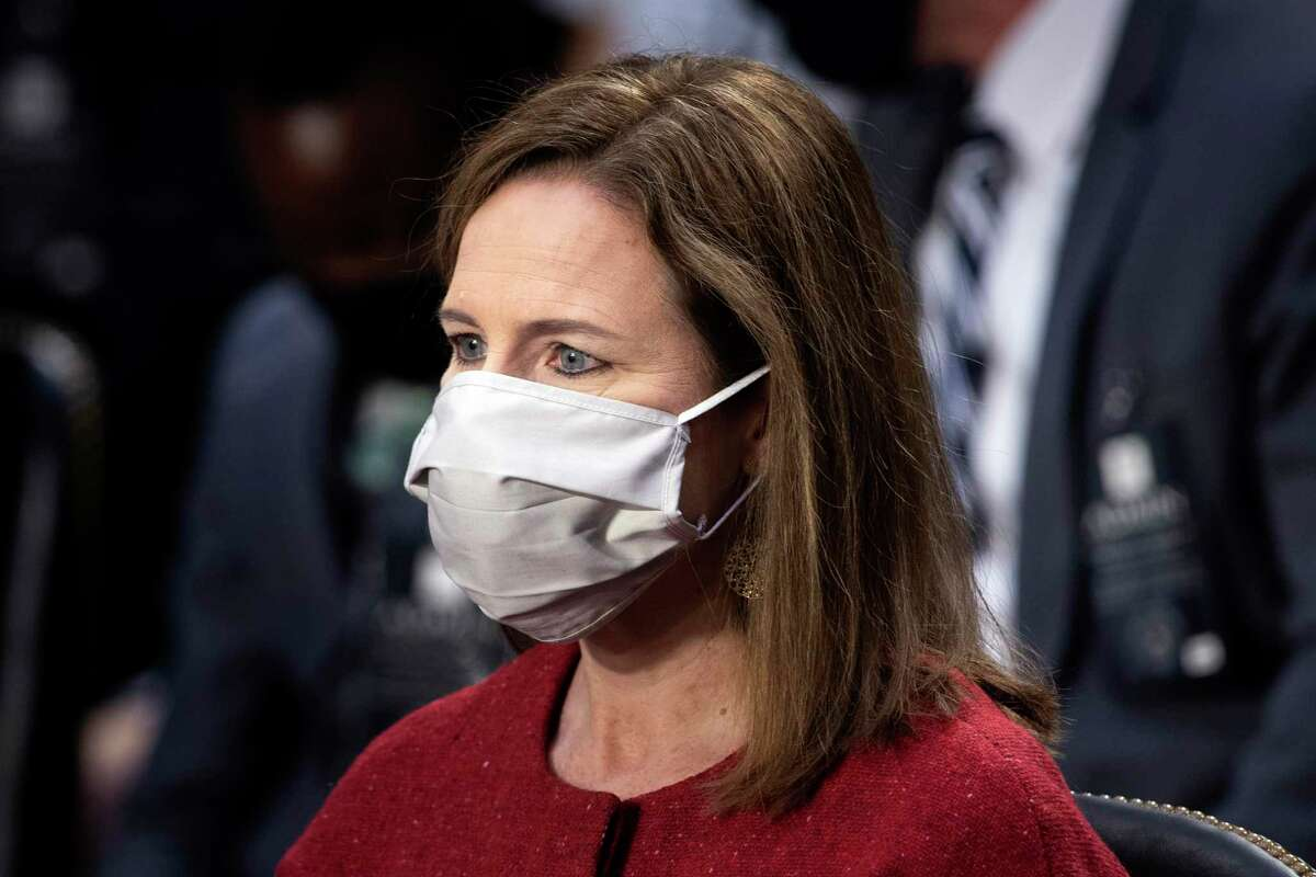 The author says if Judge Amy Coney Barrett asks that her nomination be suspended until after the election, it would be