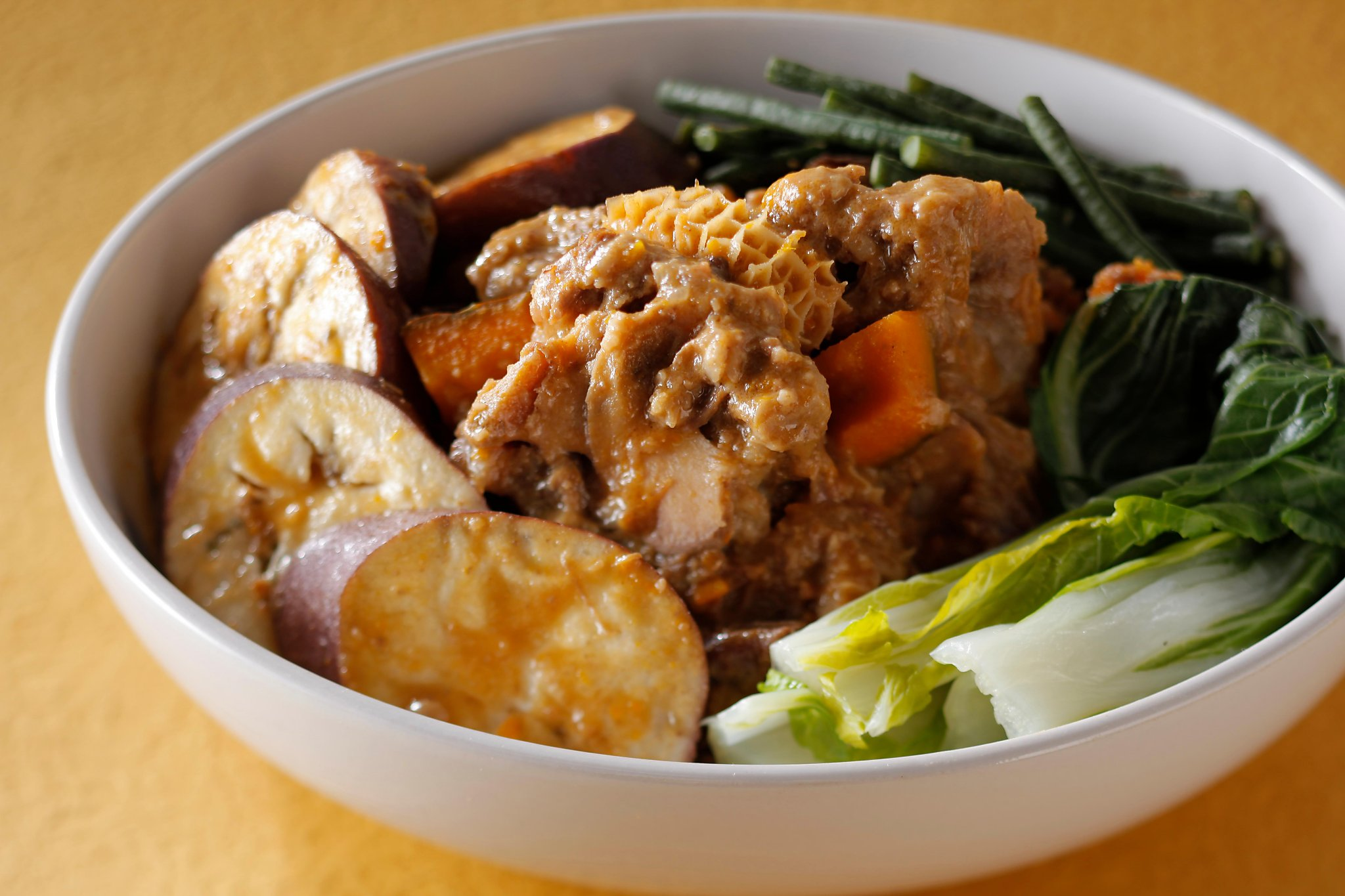5 recipes to bring comfort, from Hainanese chicken rice to stewed short ribs with adobo