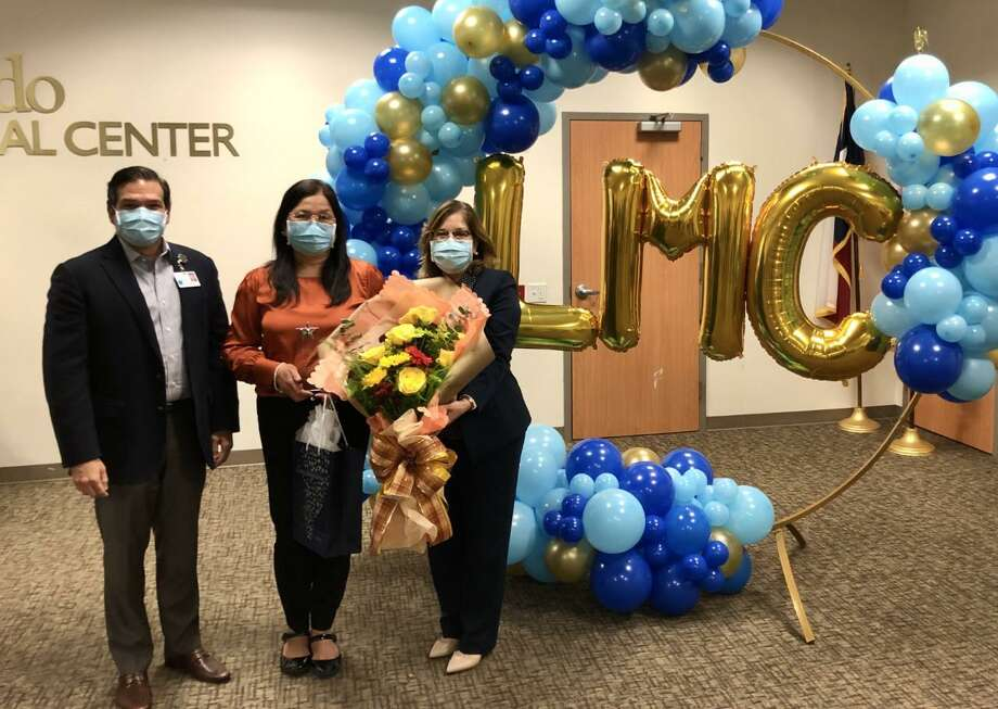 Soledad Montes received Laredo Medical Center's 2020 Nursing Excellence Award on Wednesday for her performance and leadership during the COVID-19 pandemic. Photo: Courtesy /LMC