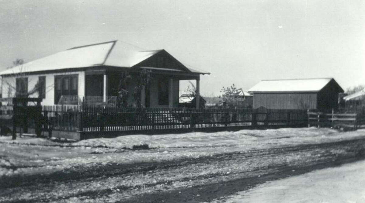 The W.A. Dean and Gertrude Cook Dean house on Commerce Street in Magnolia in 1926.