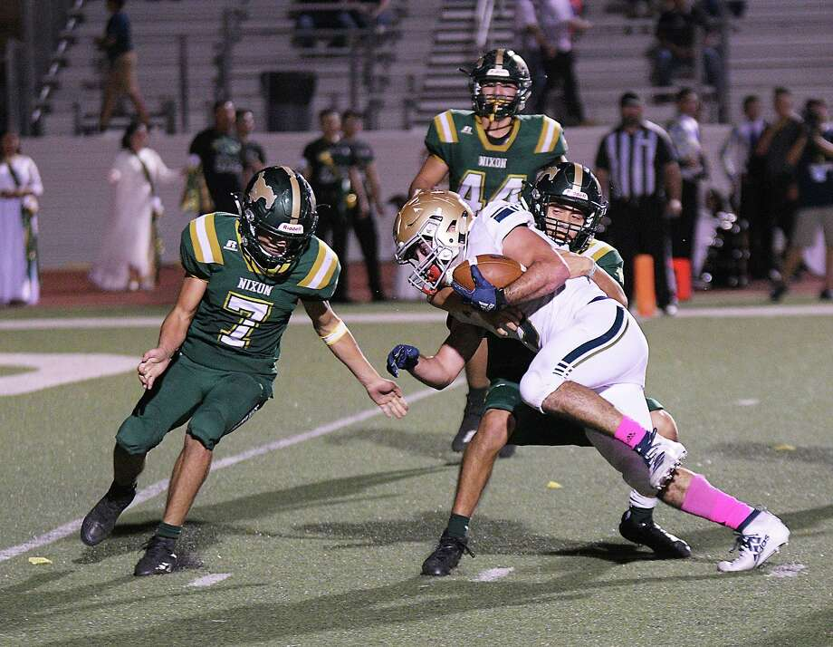 Alexander and Nixon meet at 7 p.m. Thursday, Oct. 22 at Shirley Field to open the season. Photo: Cuate Santos /Laredo Morning Times / Laredo Morning Times