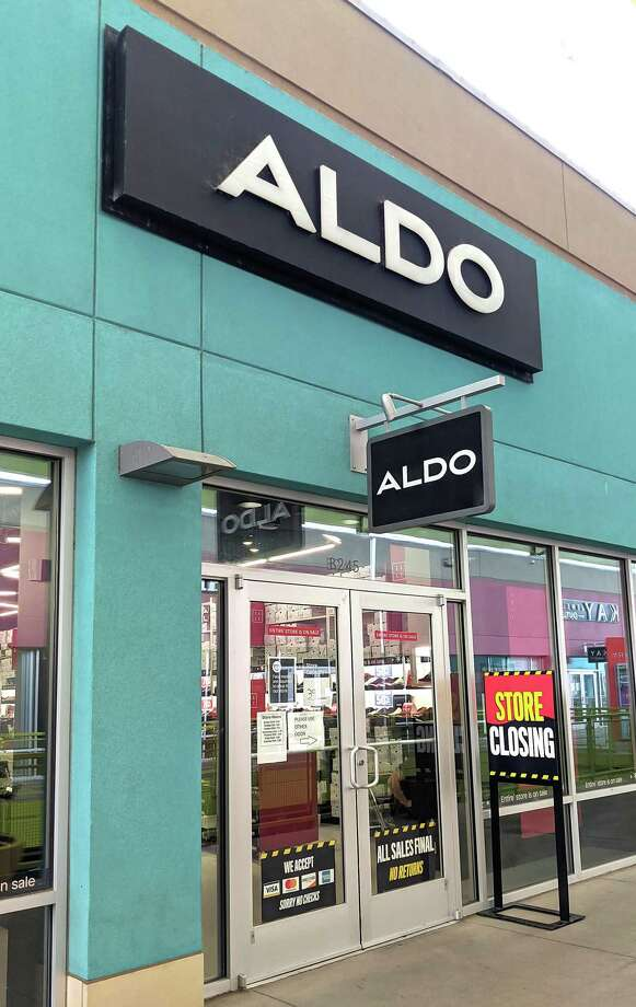 A store closing sign sits outside the Aldo shoes store, Thursday, Sep. 10, 2020, at the Outlet Shoppes at Laredo. Photo: Danny Zaragoza, Staff Photographer / Laredo Morning Times