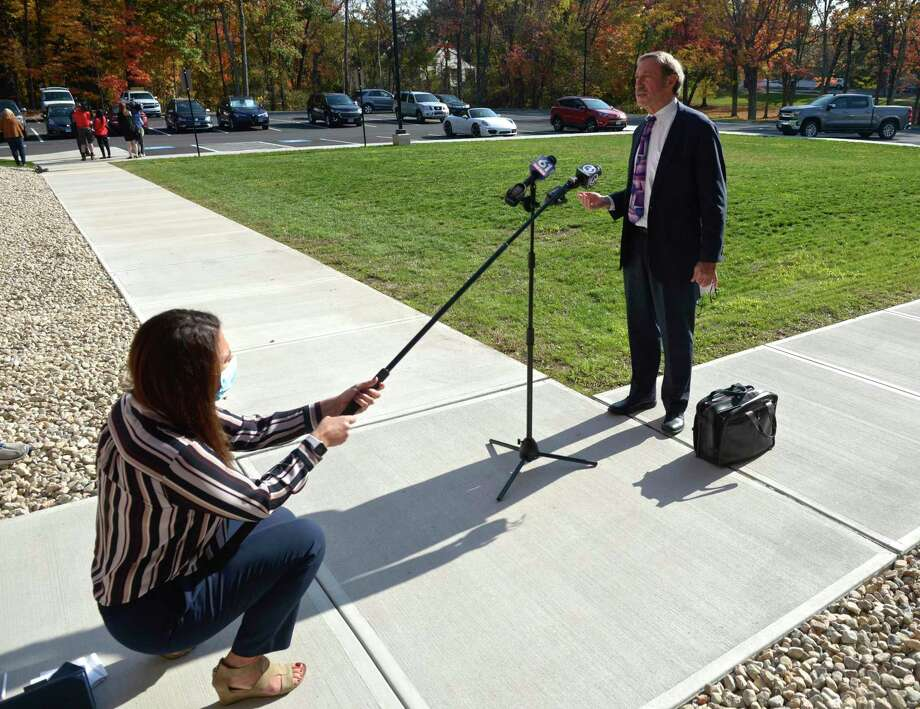 Attorney Jon Schoenhorn, who represents Michelle Troconis, talks to the media after a hearing at Farmington Regional Probate Court on the Fotis Dulos estate.Thursday afternoon, October 22, 2020, in Farmington, Conn. Photo: H John Voorhees III / Hearst Connecticut Media / The News-Times