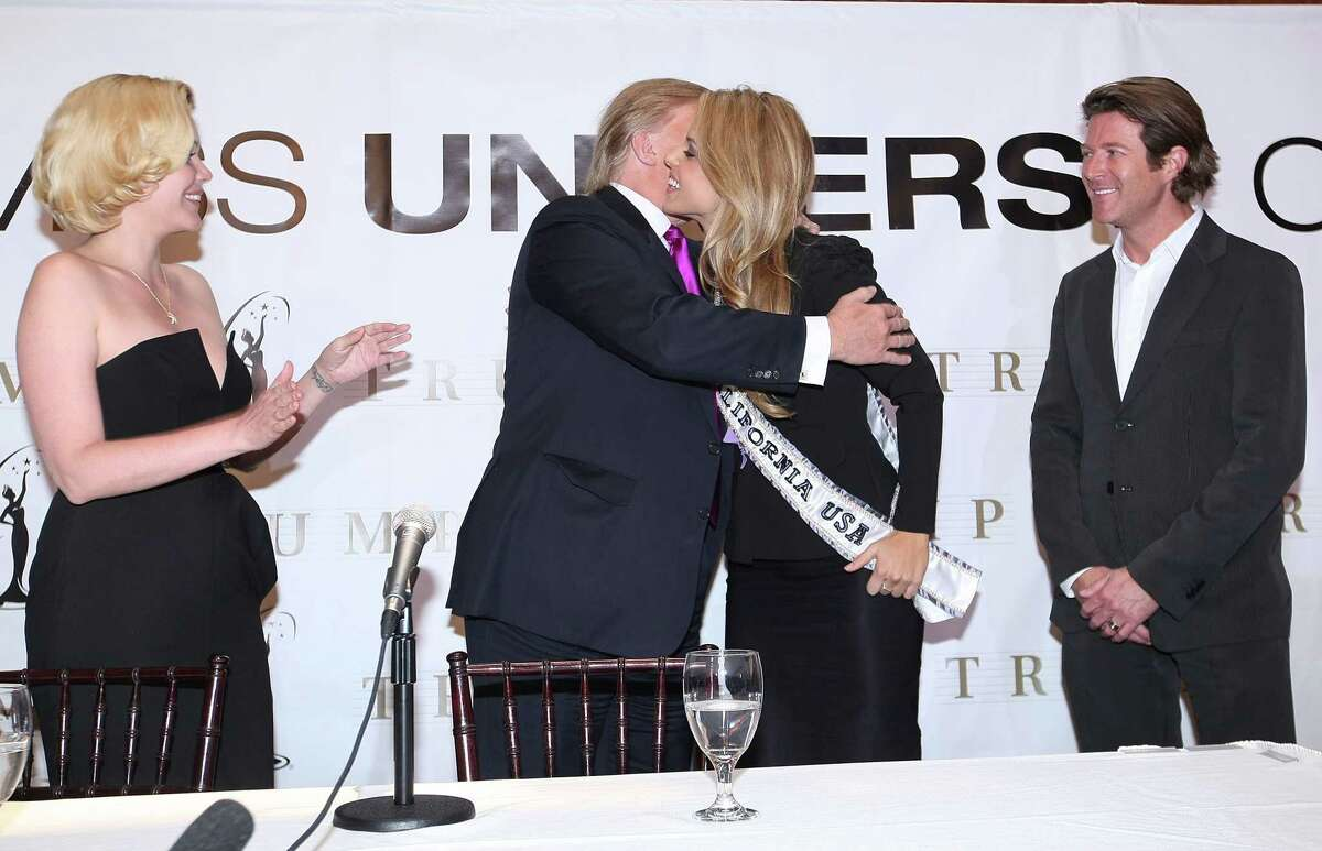 Miss California USA Executive Director Shanna Moakler, Donald Trump, Miss California USA, Carrie Prejean, and Miss California USA Co-Executive Director Keith Lewis attend a press conference at Trump Tower on May 12, 2009 in New York City. (Photo by Michael Loccisano/Getty Images)
