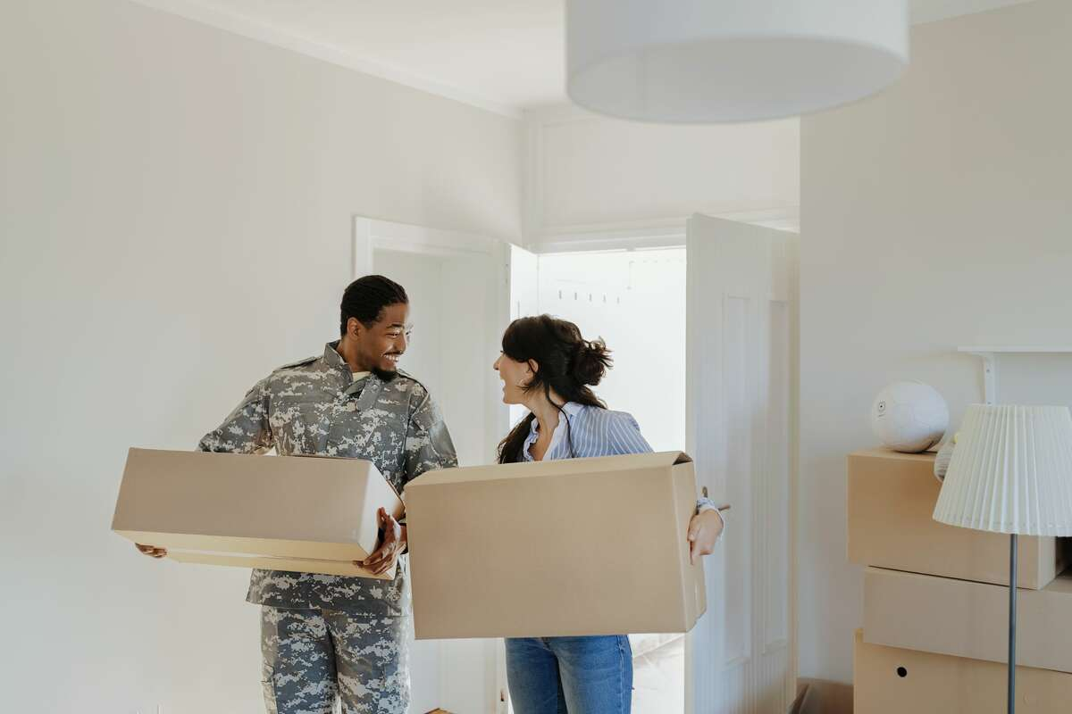 Here's our guide for military personnel when it comes to navigating the homebuying process.