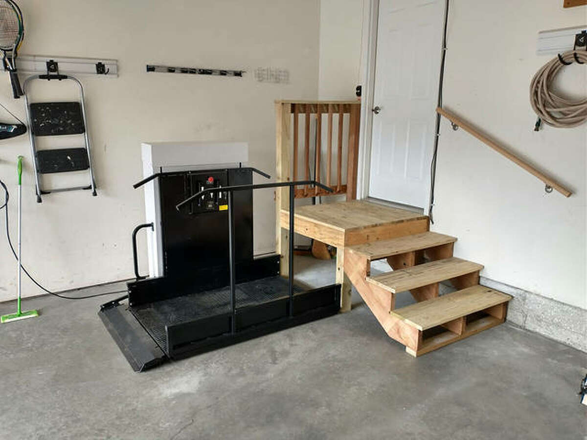 Rebuilding Together Southwest Illinois and Edwardsville Neighbors recently partnered to build a wheelchair lift, as well as a new platform/deck and steps, for a local homeowner.
