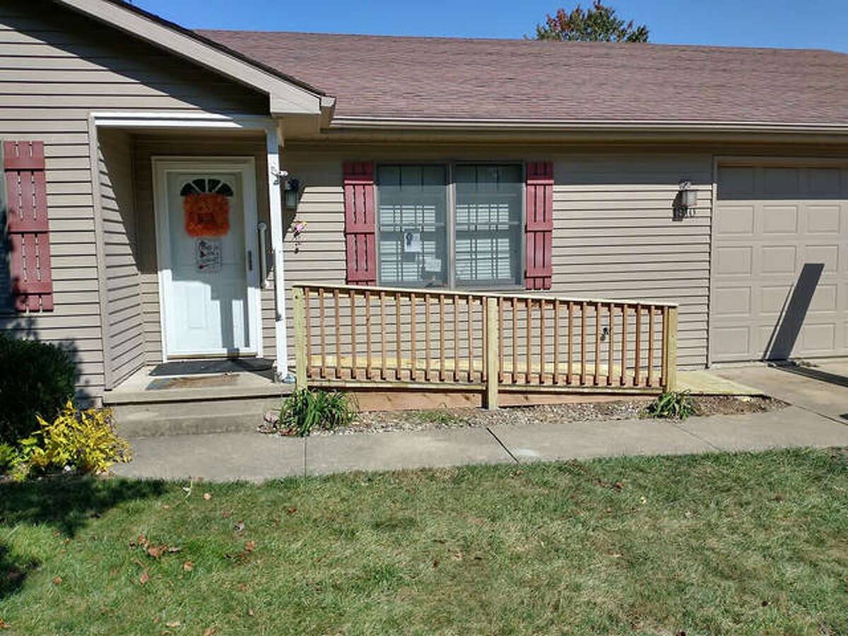 Rebuilding Together Southwest Illinois and Edwardsville Neighbors recently partnered to build a wheelchair ramp for two local homeowners who are veterans.
