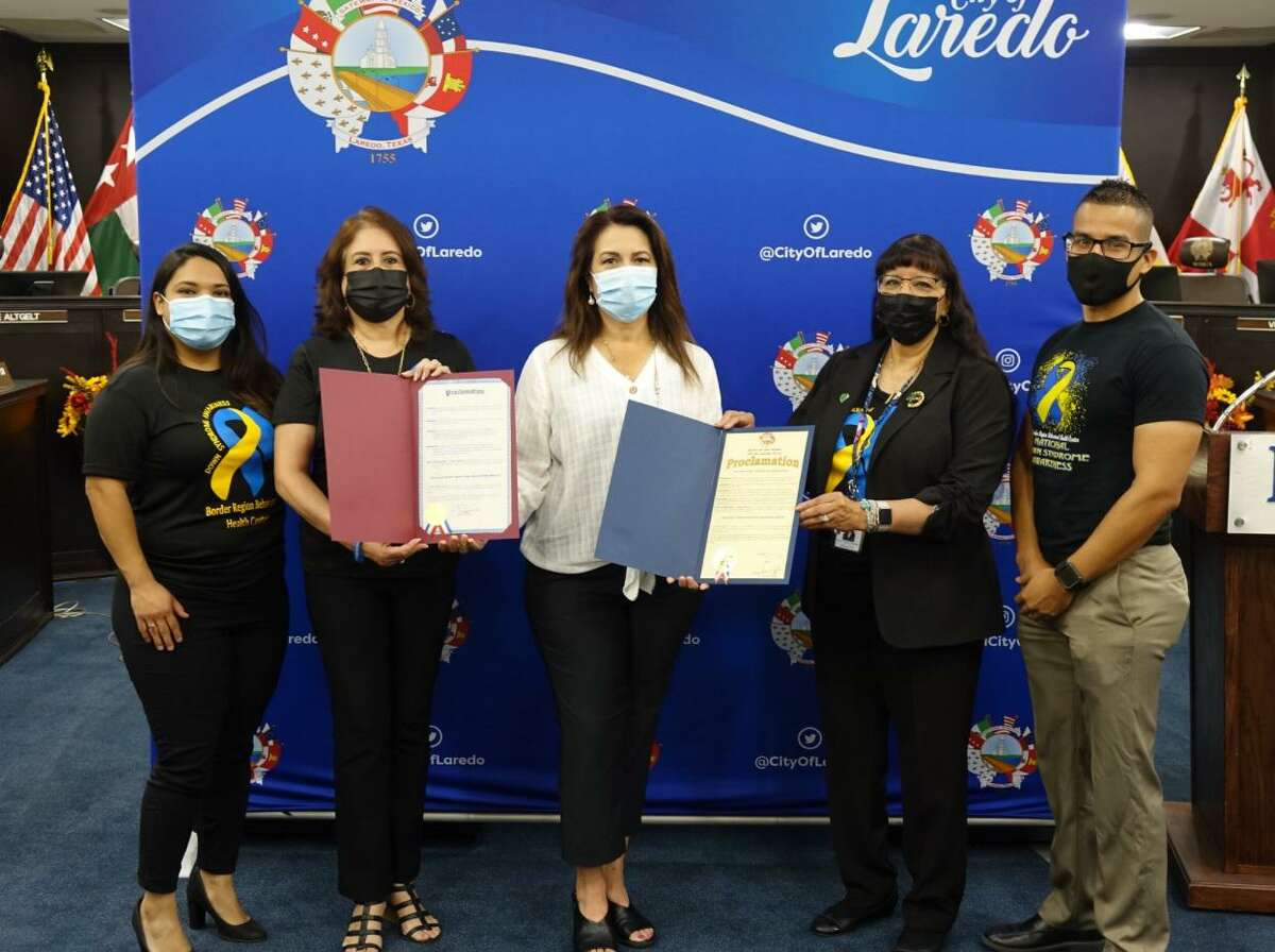 On Wednesday, City of Laredo Mayor Pete Saenz and the Webb County Judge Tano Tijerina presented a joint proclamation for National Down Syndrome Month in Laredo. Together with District V Council Member Nelly Vielma, Border Region Executive Director Maria A. Sanchez, and Director of Intellectual and Development Disabilities Magda Pedraza, Mayor Saenz encouraged the Laredo citizens to work together to promote respect and inclusion of individuals with Down Syndrome and to celebrate their accomplishments and contributions. Furthermore, Council Member Nelly Vielma recognized Valeria Dominguez, a local artist with Down Syndrome who created a beautiful mural to create awareness that every person can feel different and is special.