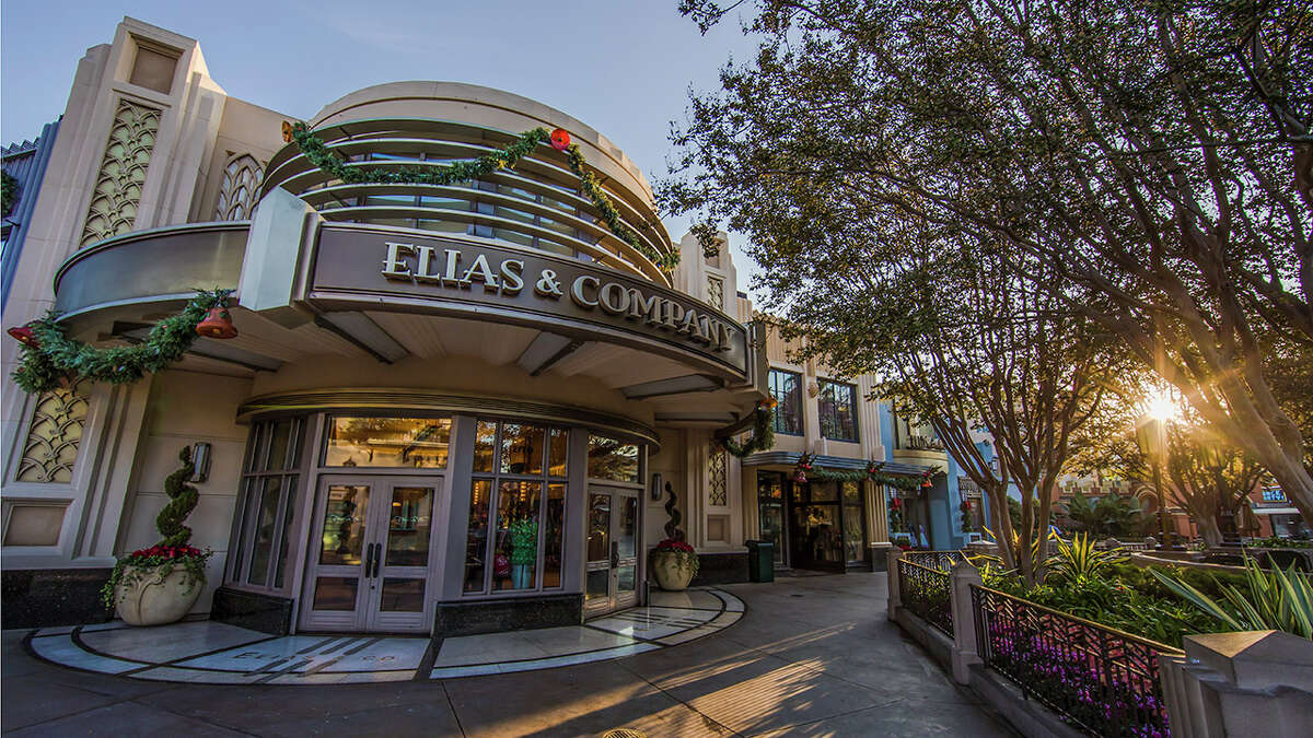 The Downtown Disney District at Disneyland Resort in California will extend to Buena Vista Street in Disney's California Adventure, offering more dining and shopping experiences later in November.