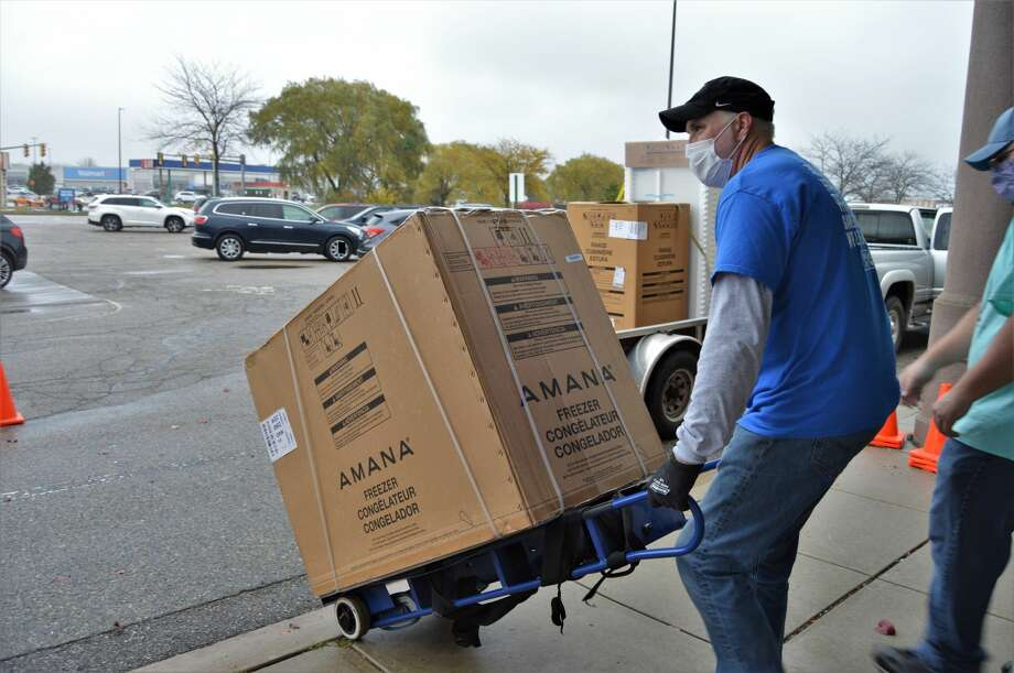 Whirlpool Corporation and Midland County United Way hosted another appliance discount sale to serve flood victims on Friday, Oct. 23, 2020 at the Midland Mall. (Ashley Schafer/ashley.schafer@hearstnp.com) Photo: Ashley Schafer