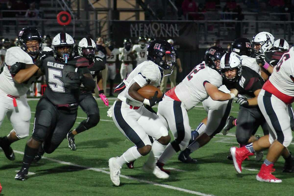 Dawson running back Jaden Stewart (21), shown against Pearland, helped lead the Eagles to a 39-0 win over Alief Taylor Friday night.