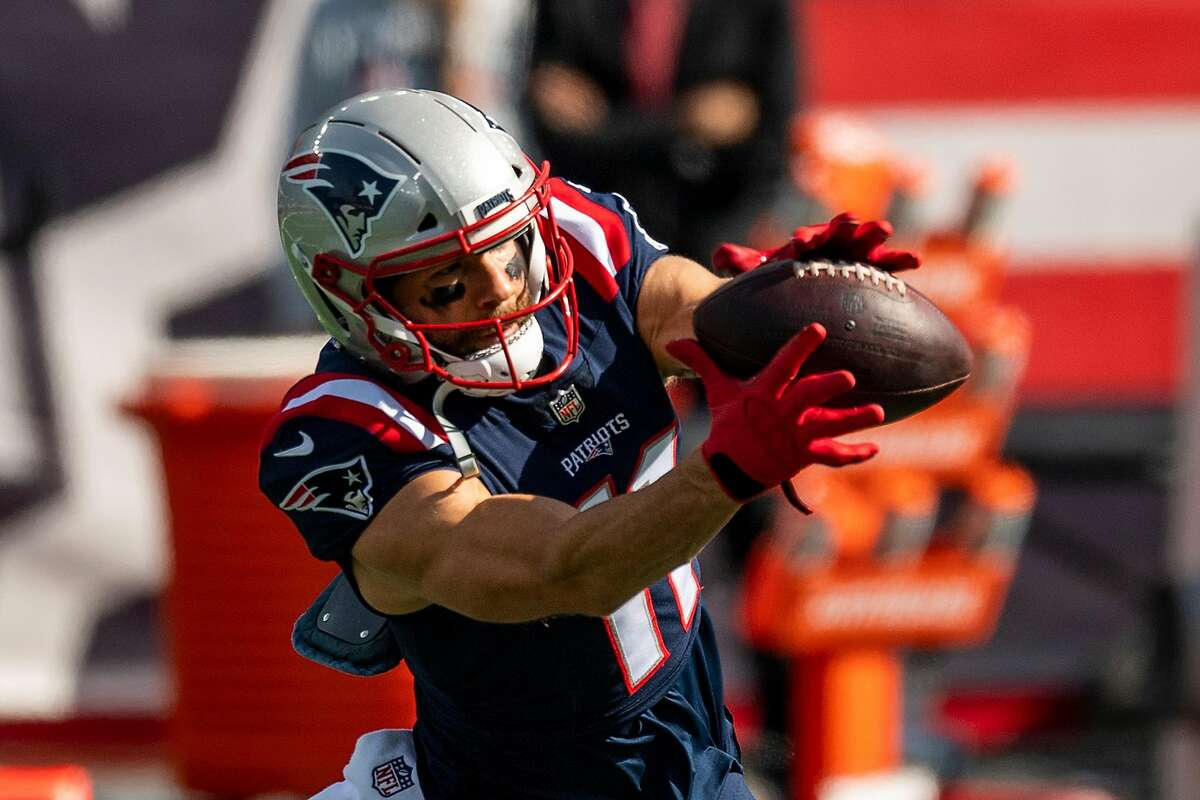 FOXBOROUGH, MA - OCTOBER 18: Julian Edelman #11 of the New England Patriots warms up before a game against the Denver Broncos at Gillette Stadium on October 18, 2020 in Foxborough, Massachusetts. (Photo by Billie Weiss/Getty Images)