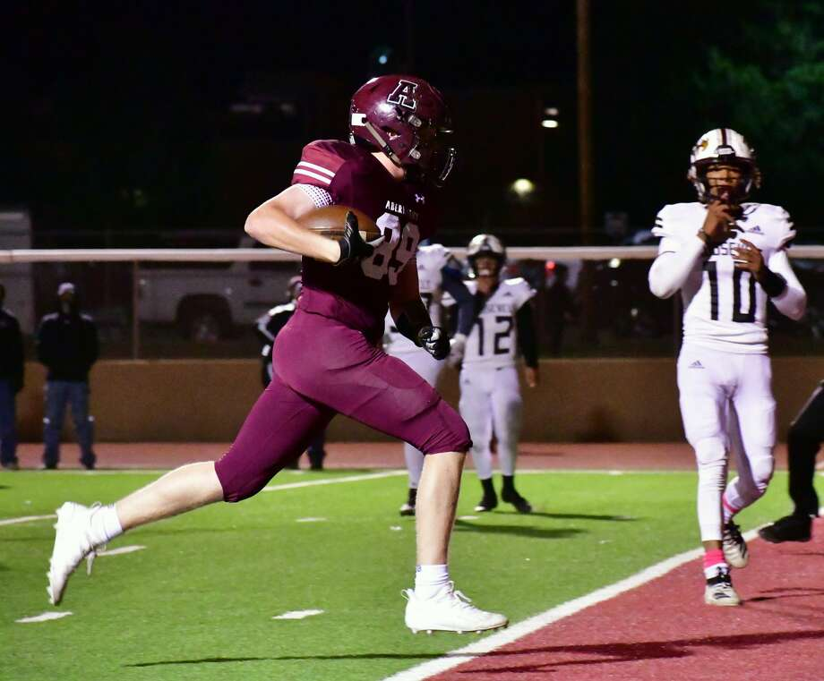 Abernathy's Landry Miller glides in for a 10-yard touchdown during a District 4-3A Division II football game against Lubbock Roosevelt on Oct. 23, 2020 in Antelope Stadium in Abernathy. Photo: Nathan Giese/Planview Herald