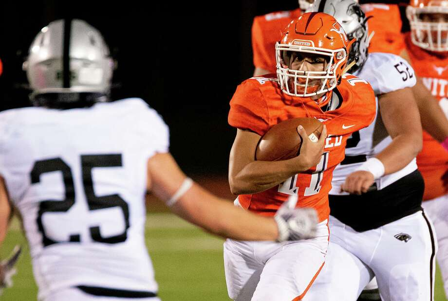 United quarterback Sammy Casso threw for 213 yards and two touchdowns in the Longhorns' win Friday. Casso also rushed for 79 yards and a score. Photo: Danny Zaragoza /Laredo Morning Times