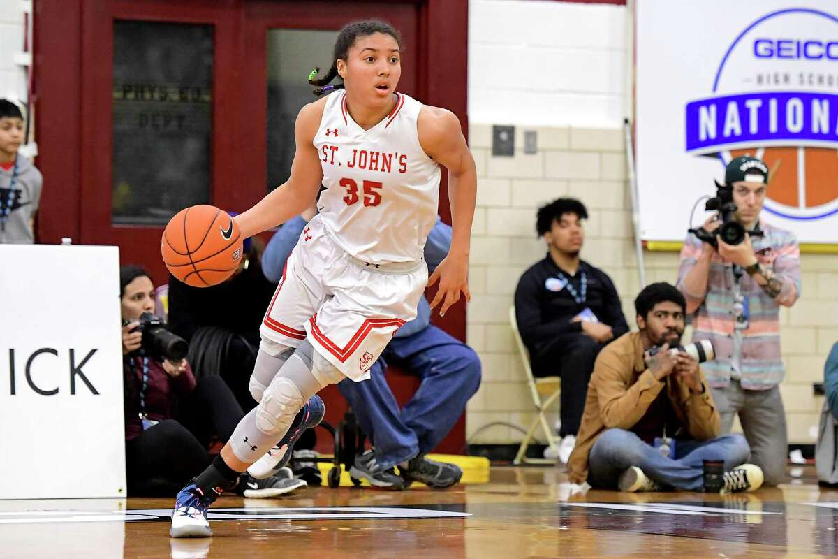 Azzi Fudd in action against the Centennial in the semifinal of the GEICO High School National Tournament at Christ the King High School in 2019.