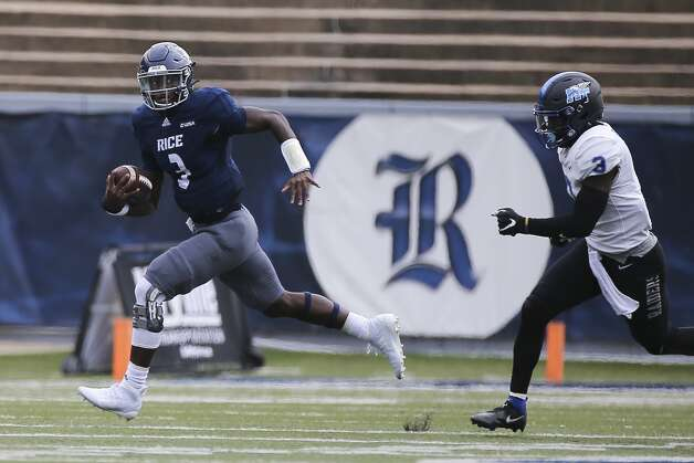 Rice Owls quarterback JoVoni Johnson (3) carries the ball during the first quarter of a CUSA conference game against Middle Tennessee Saturday, Oct. 24, 2020, at Rice Stadium in Houston. Photo: Yi-Chin Lee/Staff Photographer / © 2020 Houston Chronicle