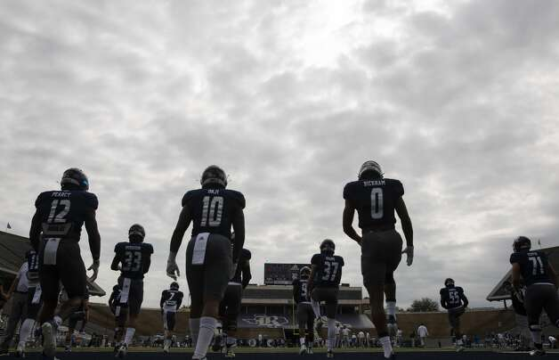 Rice Owls players warm up before the game against Middle Tennessee Saturday, Oct. 24, 2020, at Rice Stadium in Houston. Photo: Yi-Chin Lee/Staff Photographer / © 2020 Houston Chronicle