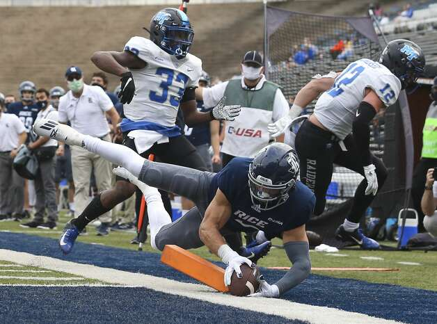 Rice Owls wide receiver Austin Trammell (10) scores a touchdown during the third quarter of a CUSA conference game against the Middle Tennessee Blue Raiders Saturday, Oct. 24, 2020, at Rice Stadium in Houston. Middle Tennessee Blue Raiders defeated Rice Owls 40-34 in double overtime. Photo: Yi-Chin Lee/Staff Photographer / © 2020 Houston Chronicle