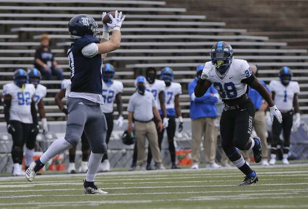 Rice Owls tight end Jack Bradley (87) catches a pass during the first quarter of a CUSA conference game against Middle Tennessee Saturday, Oct. 24, 2020, at Rice Stadium in Houston. Photo: Yi-Chin Lee/Staff Photographer / © 2020 Houston Chronicle