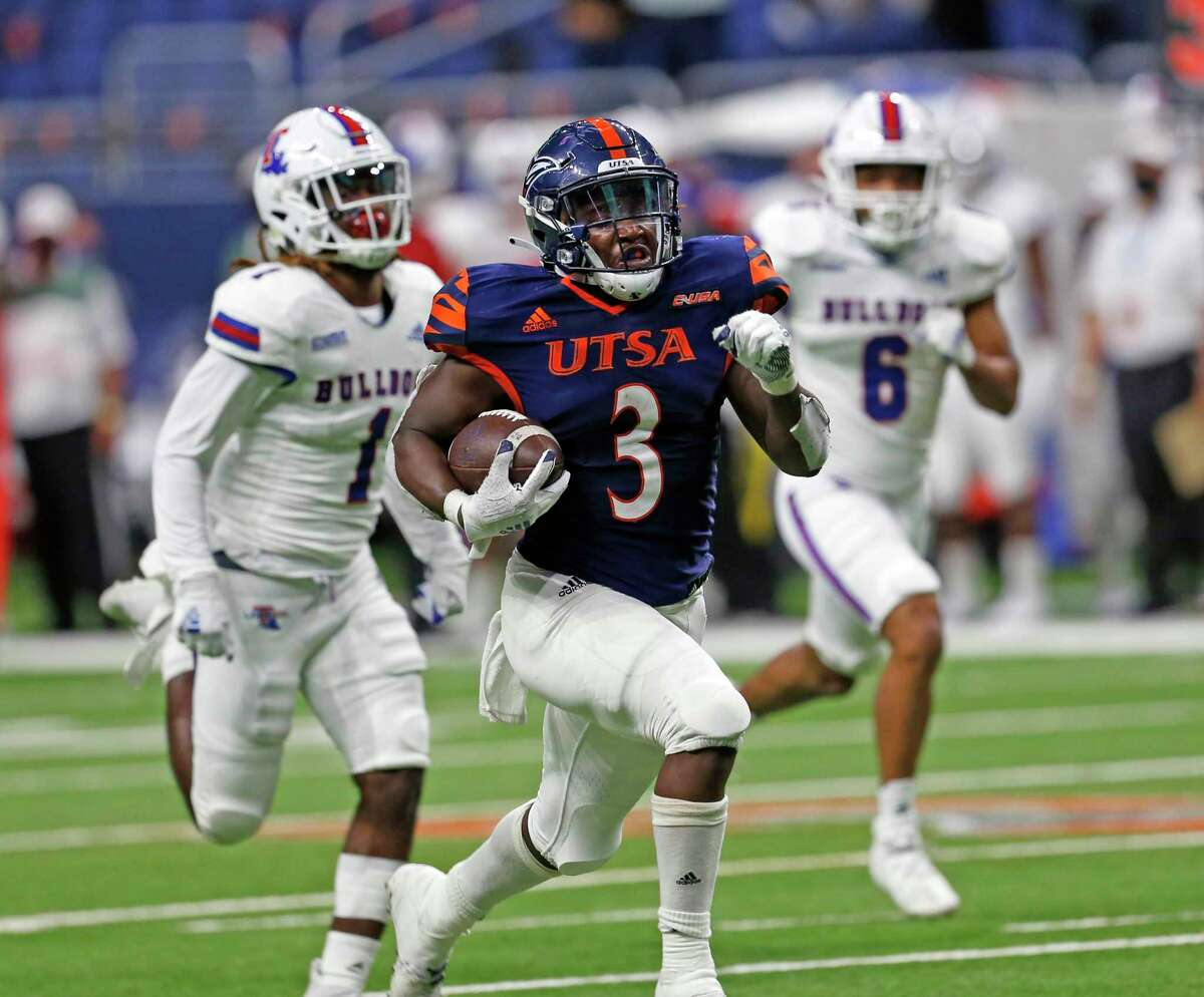 UTSA RB Sincere McCormick breaks loose for the winning touchdown on October 24, 2020 at the Alamodome. Final Score score UTSA 27 Louisiana Tech 26