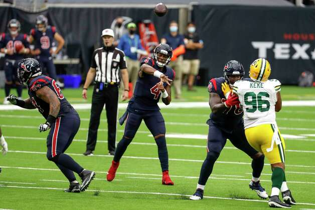 Houston Texans quarterback Deshaun Watson (4) throws a pass against the Green Bay Packers during the second half an NFL football game at NRG Stadium on Sunday, Oct. 25, 2020, in Houston. Photo: Brett Coomer, Staff Photographer / © 2020 Houston Chronicle